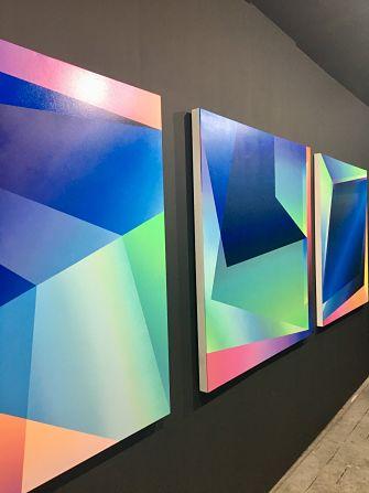 Toiles colorées DrColors exposées à Roubaix